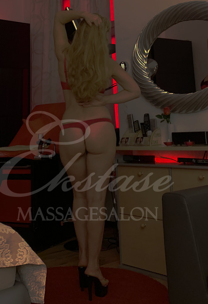 Samanta bei Ekstase Massage